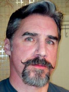 life4beard.ru Handlebar-mustache-усы-хэндлбар, Стрижка усов, Усы и борода, Большие усы, Длинные усы, Борода без усов, Форма усов, Мужчина с усами, Типы усов