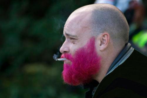 розовая-борода   life4beard.ru мужчина с бородой