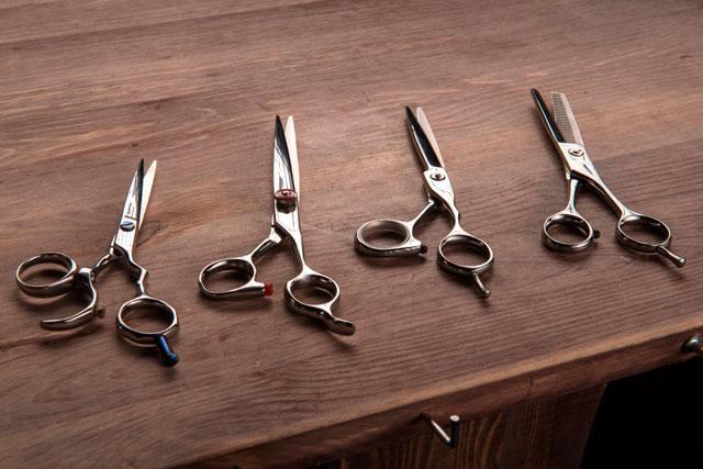 как-выбрать-подходящие-правильные-барберские-парикмахерские-ножницы-10-Steps-To-Choose-the-Right-Hairdressing-Scissors