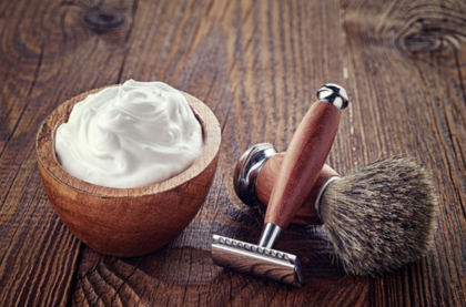 life4beard.ru набор для бритья безопасная бритва помазок крем гель пена для бритья на столе дереве