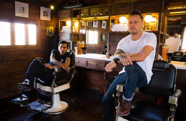 life4beard.ru старый old barbershop barber парикмахерская барбершоп барбер бритье опасная бритва усы современный